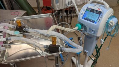 Photo of Patient dies after family members unplug ventilator to plug-in cooler